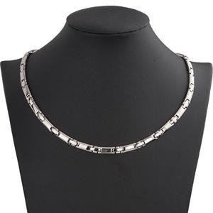 Titanium Magnet Halskæde Cross. Silver 3000 gauss.